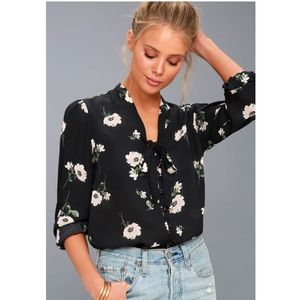 Lulus office chick floral top